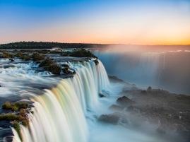 Foz do Iguaçu, no Paraná, Brasil. Fonte: http://www.worldfortravel.com