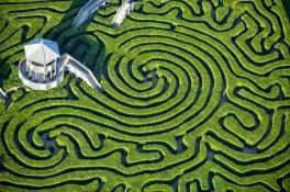 O Labirinto Longleat, na Inglaterra, é o mais longo labirinto do mundo, possuindo um comprimento de 2,72 km. Fonte: Amusing Planet