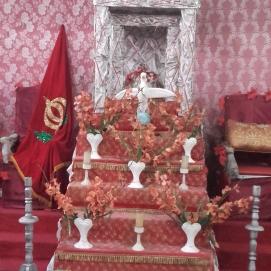 Representação do trono na Festa do Divino, semelhante à do Império Português.