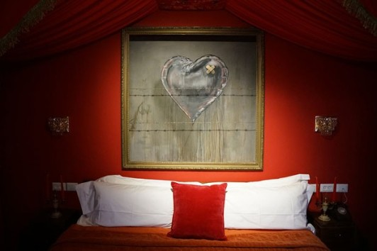 bansky-hotel-the-walled-off-hotel-010